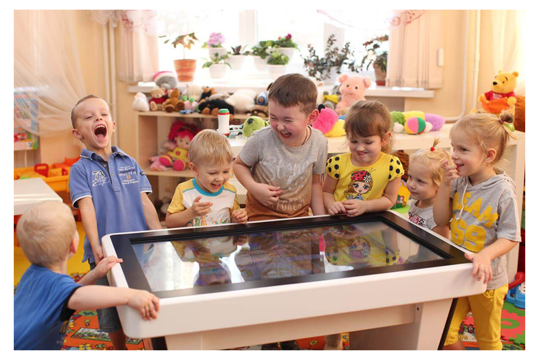 Детский интерактивный стол UTSKids